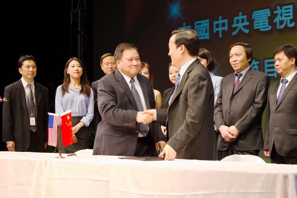 CCTV4-Re-Signing_4