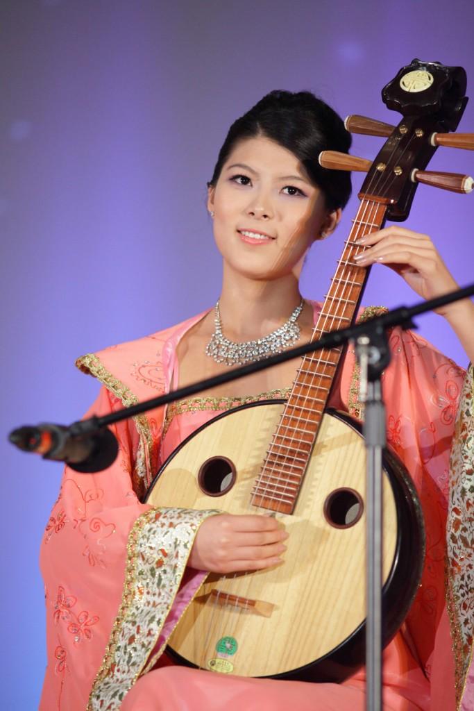 R&C_Studios_Miss_Asia_2012_Modeling_Contest_10
